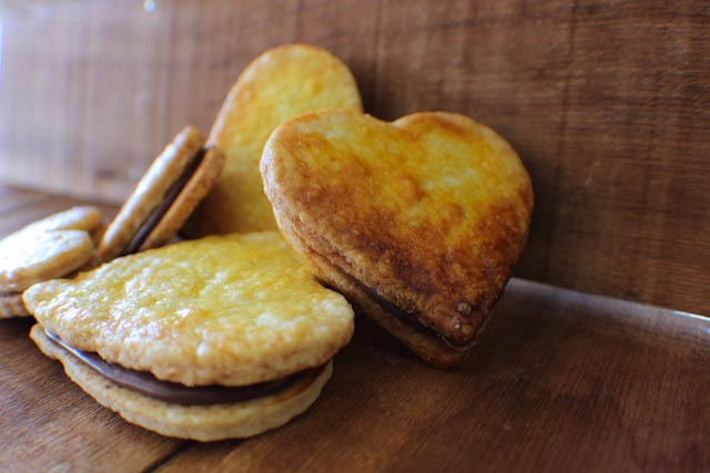 Monday Madness Recipe: Biscuit Sandwich Cookies with Nutella…made ...