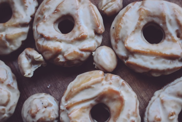 Old Fashioned Glazed Doughnuts (9 of 12)